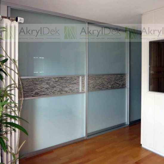 Built-in wardrobe sliding doors and sliding systems in resin